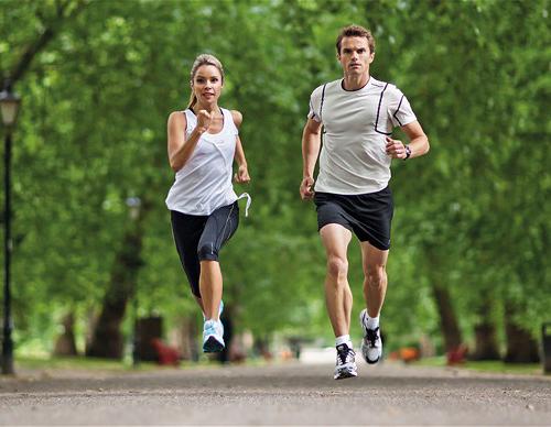 Đi bộ hay chạy bộ chậm vẫn được đánh giá là cách giảm béo hiệu quả nhanh chóng chỉ trong 1 tuần