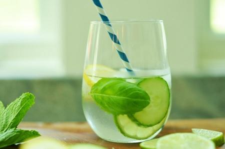 Uống nước chanh tươi giảm cân rất hiệu quả