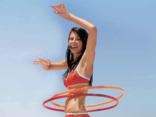 Cách lắc vòng giúp giảm béo cực nhanh cho chị em 2