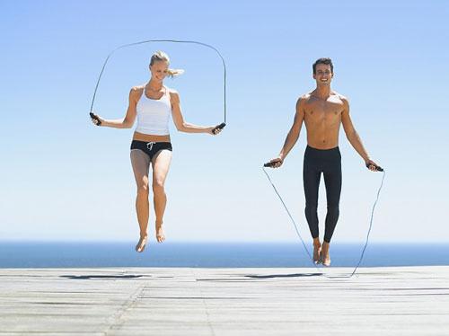 nhảy dây giảm mỡ bụng