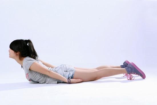 Ngỡ ngàng với 4 bài tập đơn giản cho eo nhỏ chân thon 1