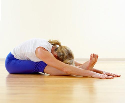 Lấy lại dáng ngọc với 3 bài tập yoga dễ thực hiện 3